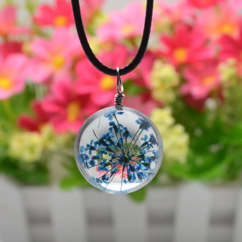 Květ v kouli fialová - náhrdelník