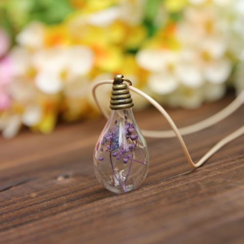 Květ v žárovce- Přívěšek na krk