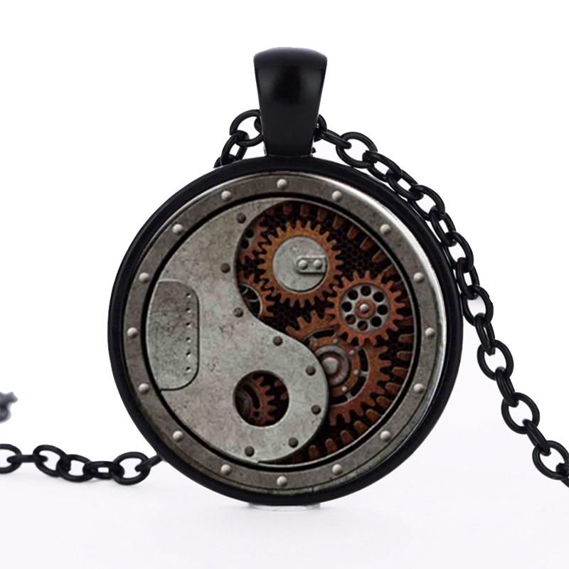 Alenka v říši divů náhrdelník hodiny