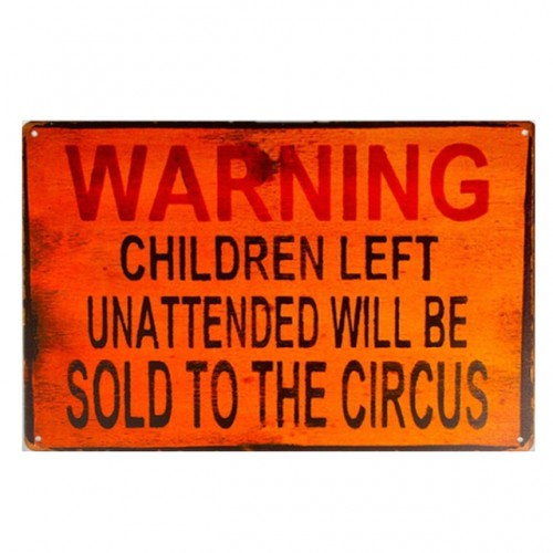 Plechová cedule Restricted Area - Do not enter